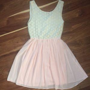 Miami pretty dress with lace accents size M